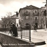 Monumento ai caduti. Largo Matteotti. Anni 50