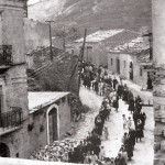 La processione si muove da Colle S Carlo. Anni 40