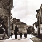Piazza Città dell'Aquila ex Corso Umberto I e la Grotta